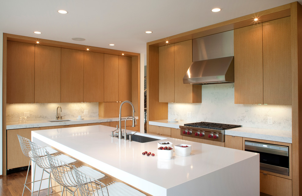 Domicile Furniture for Contemporary Kitchen with Edge Pulls