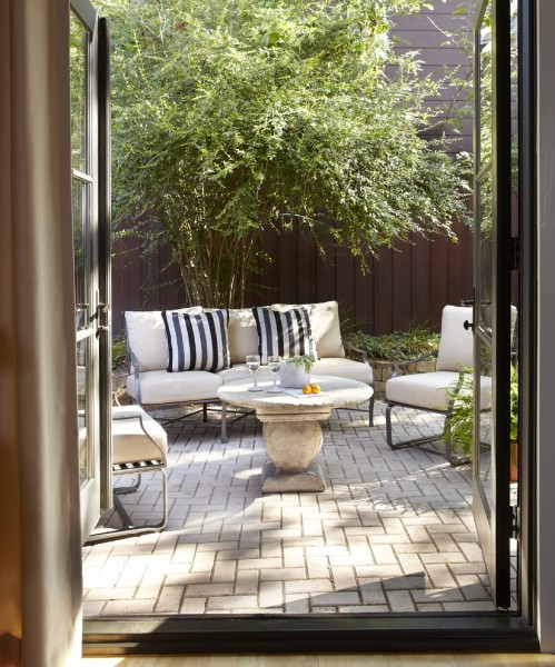 Efo Furniture for Contemporary Patio with Wood Fence
