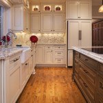 Glazing Cabinets for Traditional Kitchen with Alder Island