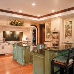 Green Thumb Ventura for Traditional Kitchen with Breakfast Bar