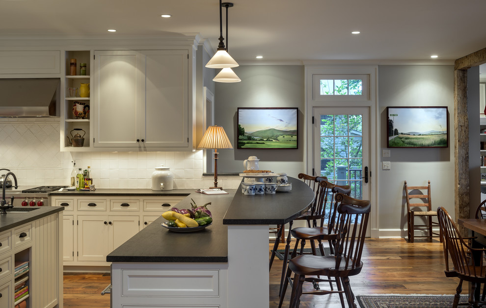 Honed Granite for Traditional Kitchen with Gray Wall