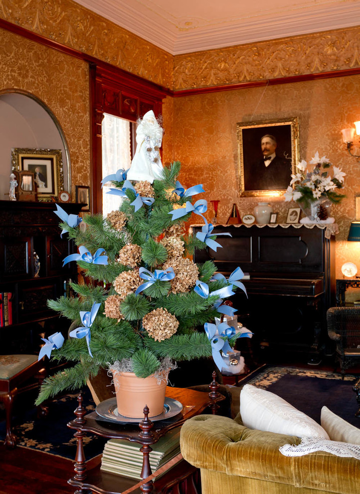How to Dry Hydrangeas for Eclectic Living Room with Christmas