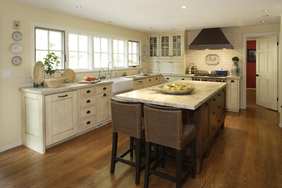 How to Glaze Cabinets for Traditional Kitchen with Painted Wood Cabinets