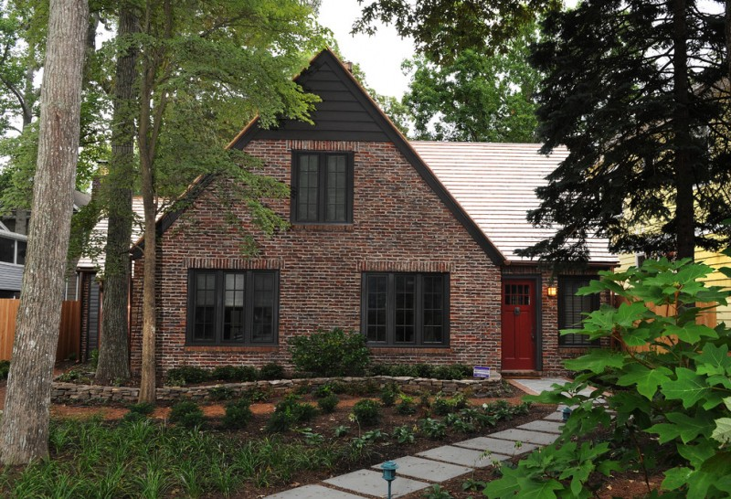 Klinker Brick for Rustic Exterior with Renovation