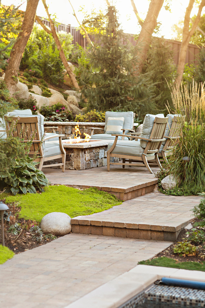 Landform for Traditional Patio with Walkway