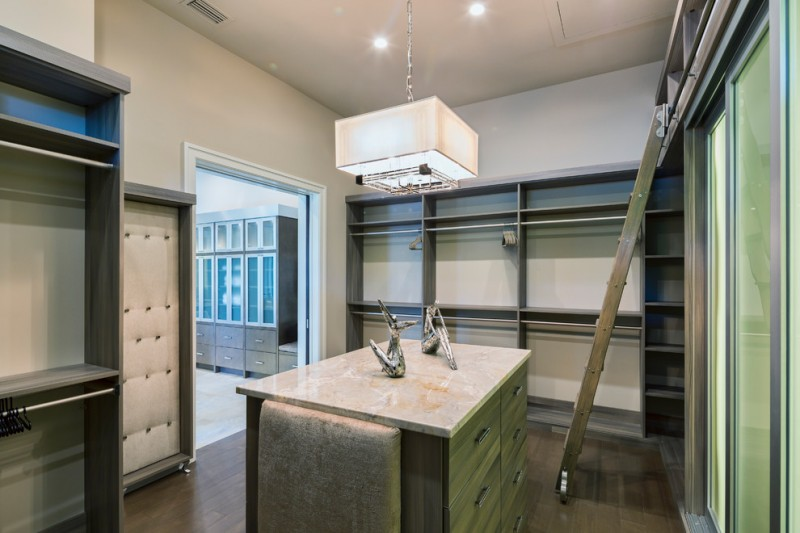 Lynn Ladder for Traditional Closet with Walk in Closet Design