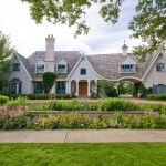 Mariani Landscape for Traditional Exterior with Shingle Roof