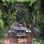 Mariani Landscape for Traditional Patio with Climbing Plants