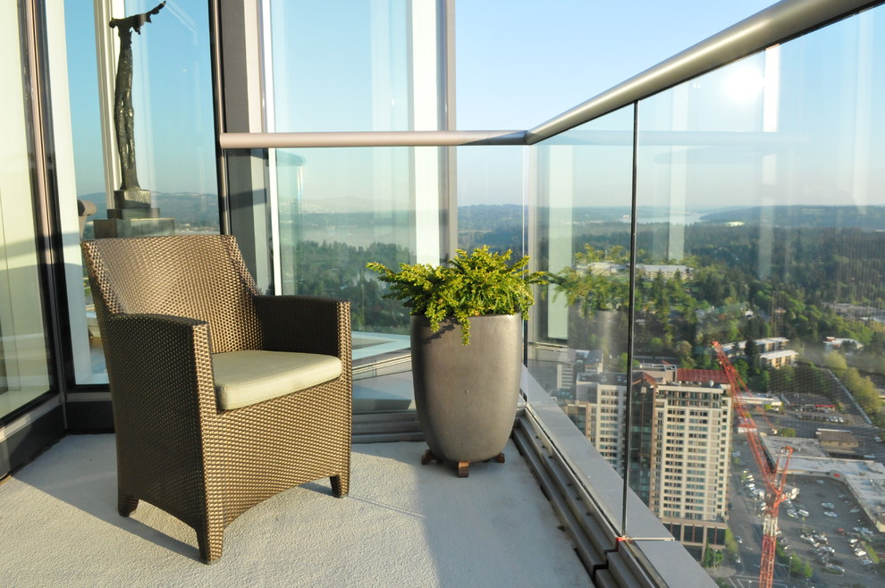 Masins Furniture for Contemporary Patio with Gorgeous Views Form This 41st Floor Pent