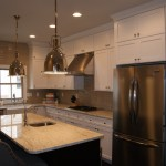Medallion Cabinets for Traditional Kitchen with Granite