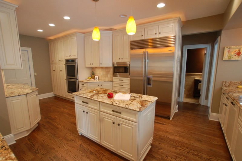 Mega Granite for Traditional Kitchen with Slab Countertops