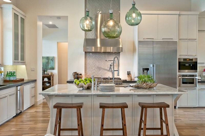 Mont Granite for Transitional Kitchen with Stainless Steel Appliances