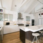 Neolith Countertops for Contemporary Kitchen with Stainless Steel Appliances