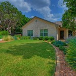Palisades Zoysia for Traditional Landscape with Austin Texas