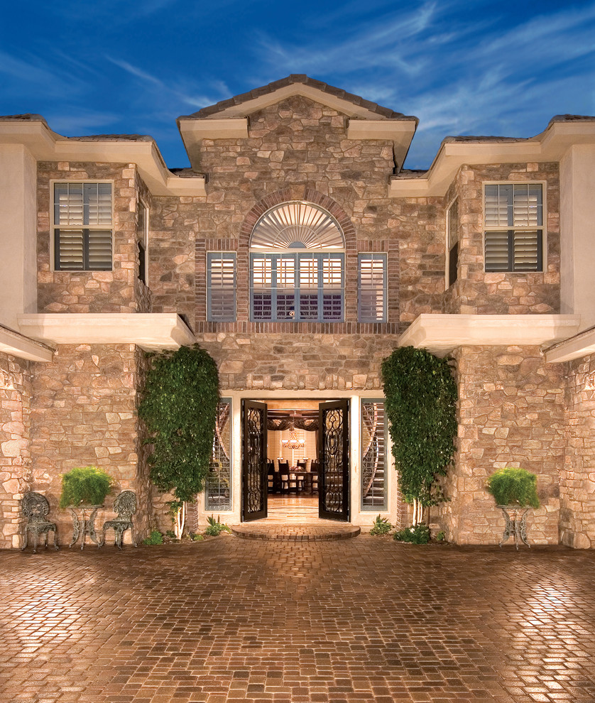 Quality Stone Veneer for Mediterranean Exterior with Simulated Stone
