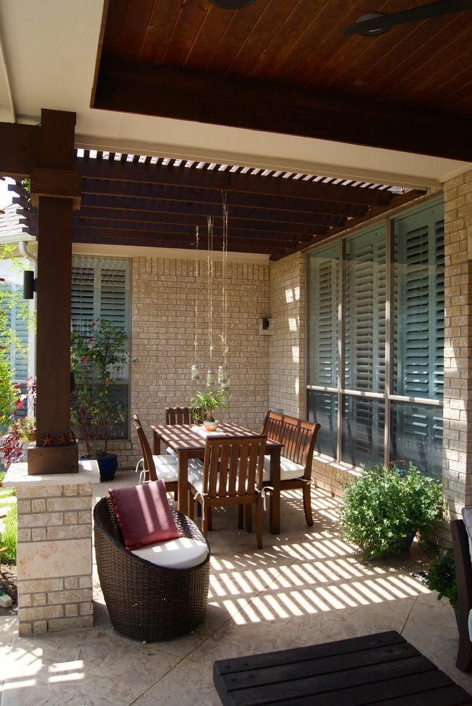 Ryland Homes Reviews for Transitional Patio with Pavers