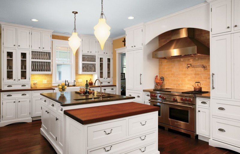 Seifer for Traditional Kitchen with Neutral Colors