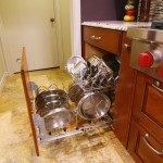 Sensa Granite for Traditional Kitchen with Stainless Steel Pots and Pans