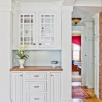 Shiloh Cabinets for Traditional Kitchen with Crown Molding