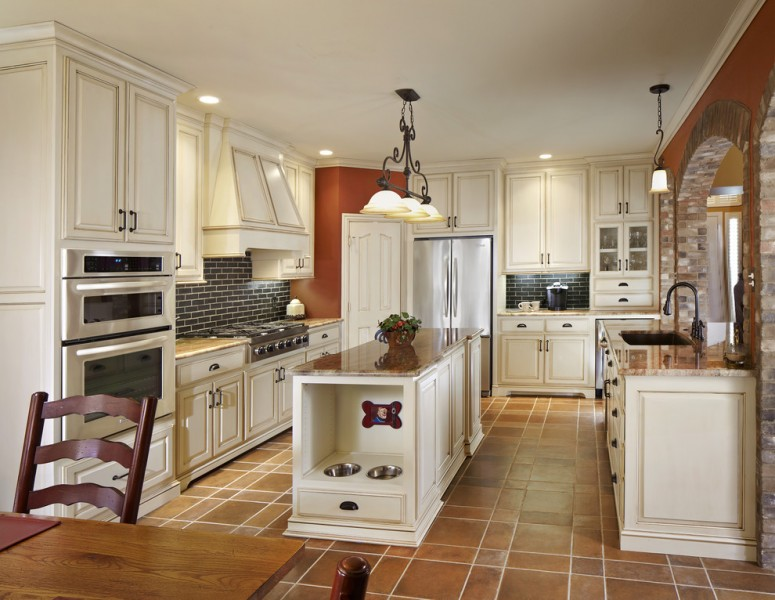 Sioux City Brick for Traditional Kitchen with Tile Floor