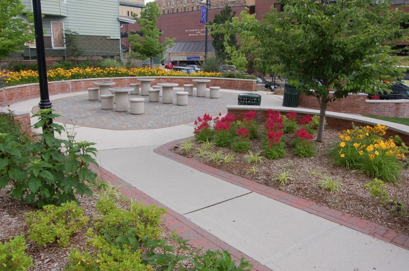 St Joseph Hospital Paterson for Traditional Landscape with Accent Planting