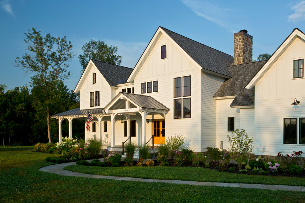 Teakwood Dc for Farmhouse Exterior with Porch