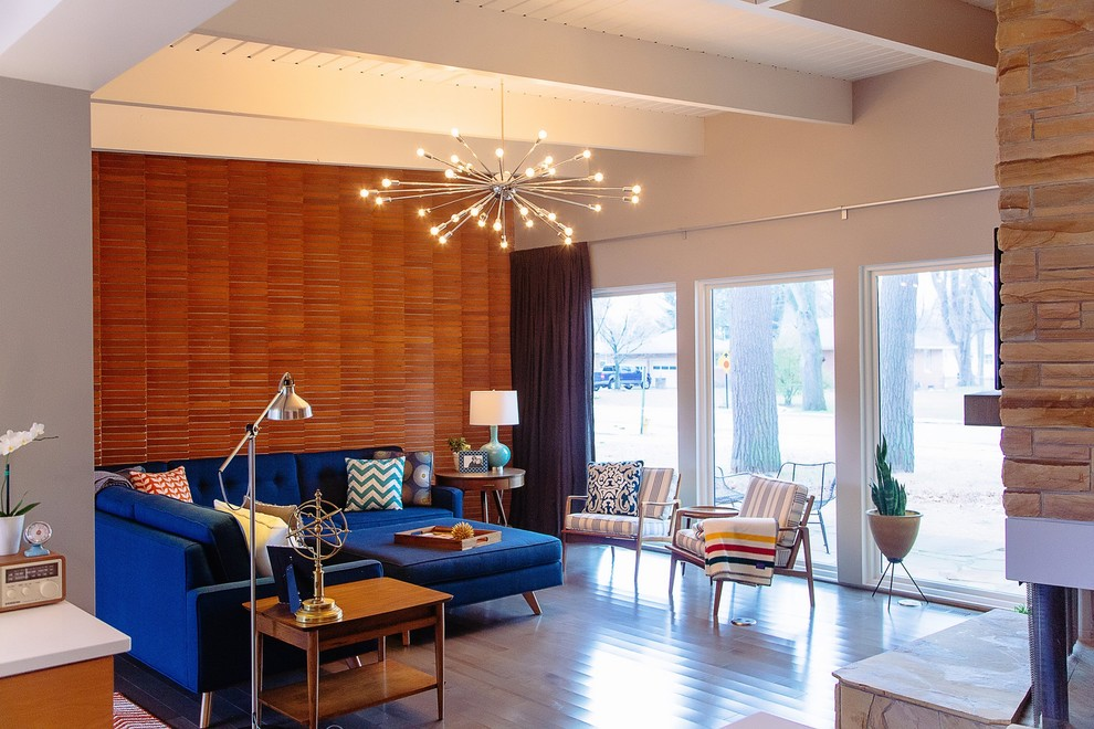 Thrive Home Furnishings for Midcentury Living Room with Sectional Sofas