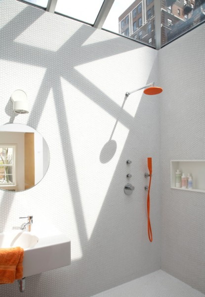 Unclog Sink for Modern Bathroom with Sconce