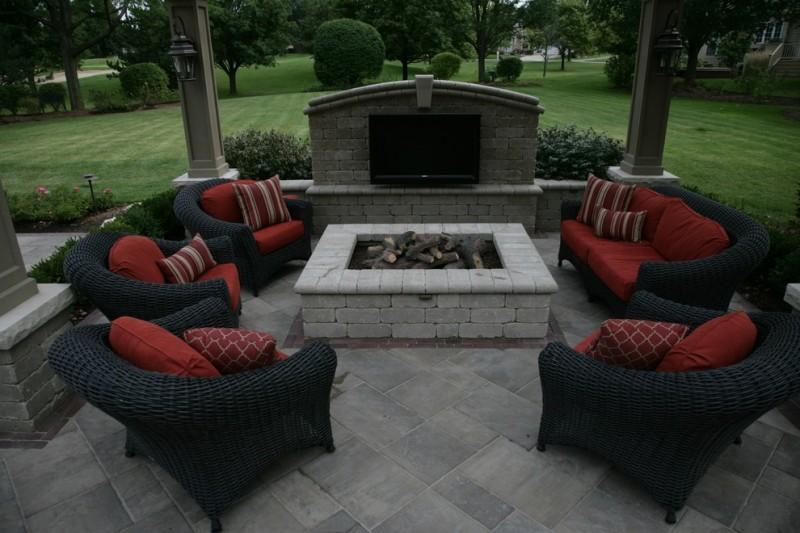 Unilock Pavers for Traditional Patio with Unilock Pavers