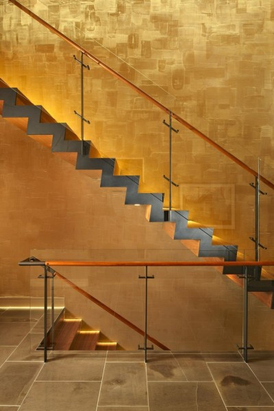 Venetian Plaster for Modern Staircase with Stone Tile