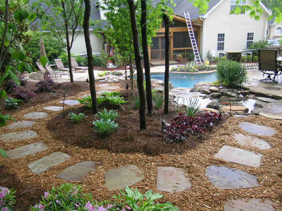West Cobb Pine Straw for Traditional Landscape with Cedar