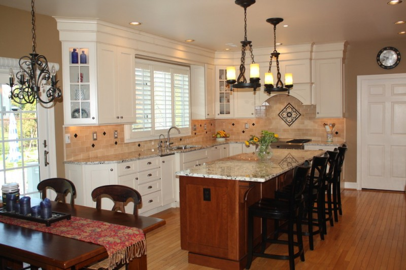 Yorktowne Cabinets for Traditional Kitchen with Kitchen Islands